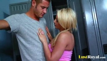 Brunette whore Ivy Winters goes geezer and fucks hard
