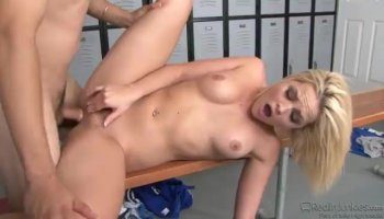 Rylee Renees pussy fucked doggystyle